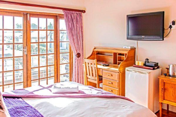 Room 11 (3)